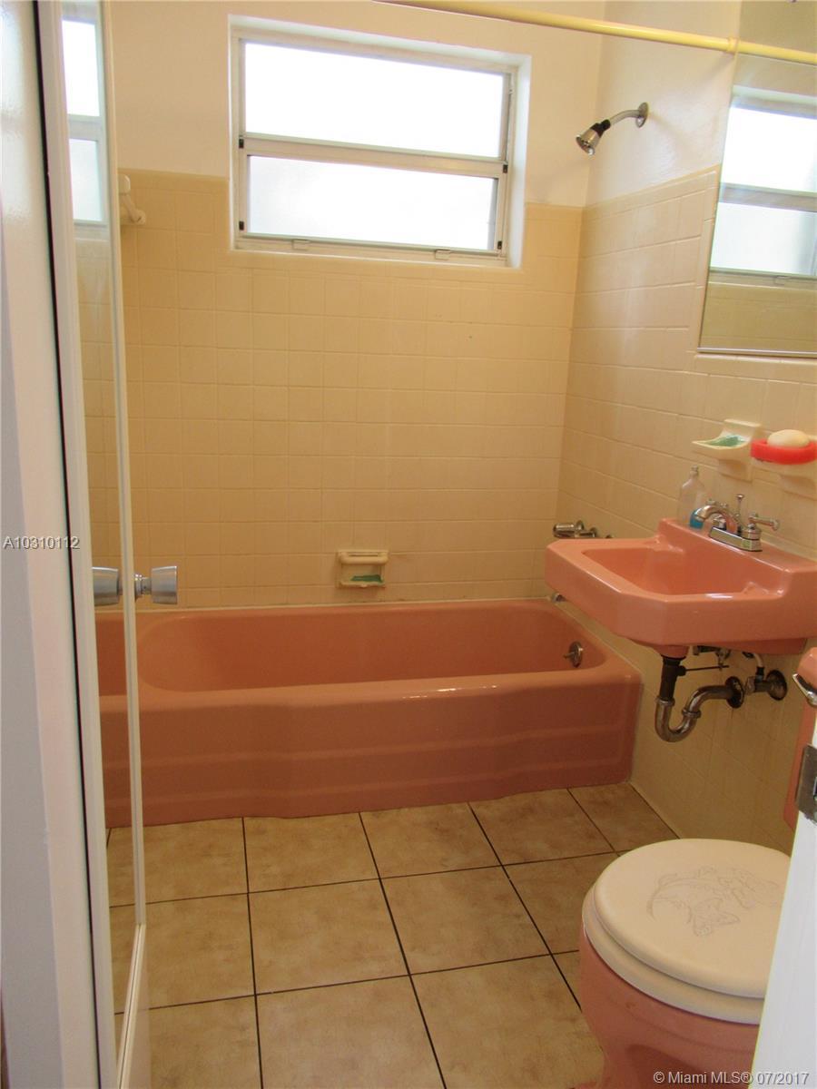 210 Mendoza Ave # 6, Coral Gables, FL 33134