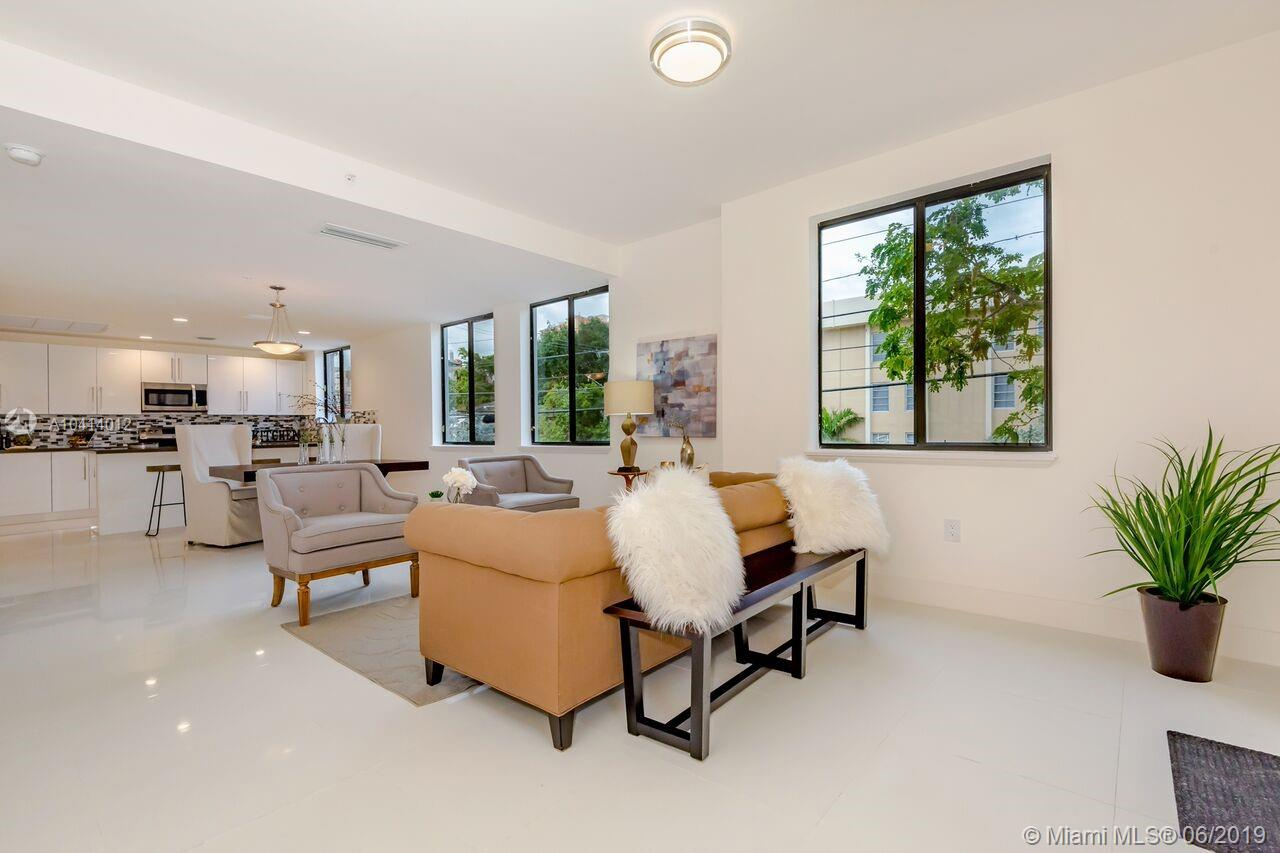 1405 Galiano #4, Coral Gables FL, 33134