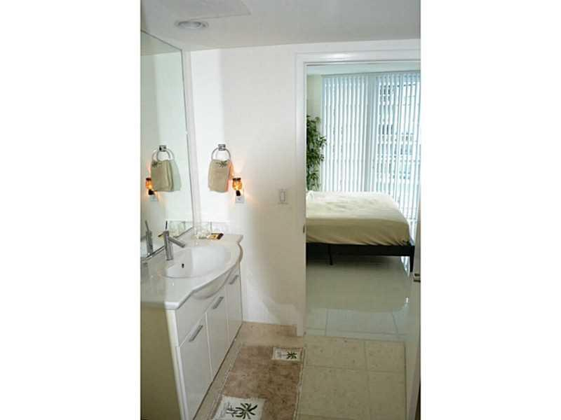 475 BRICKELL AV # 2509, Miami , FL 33131