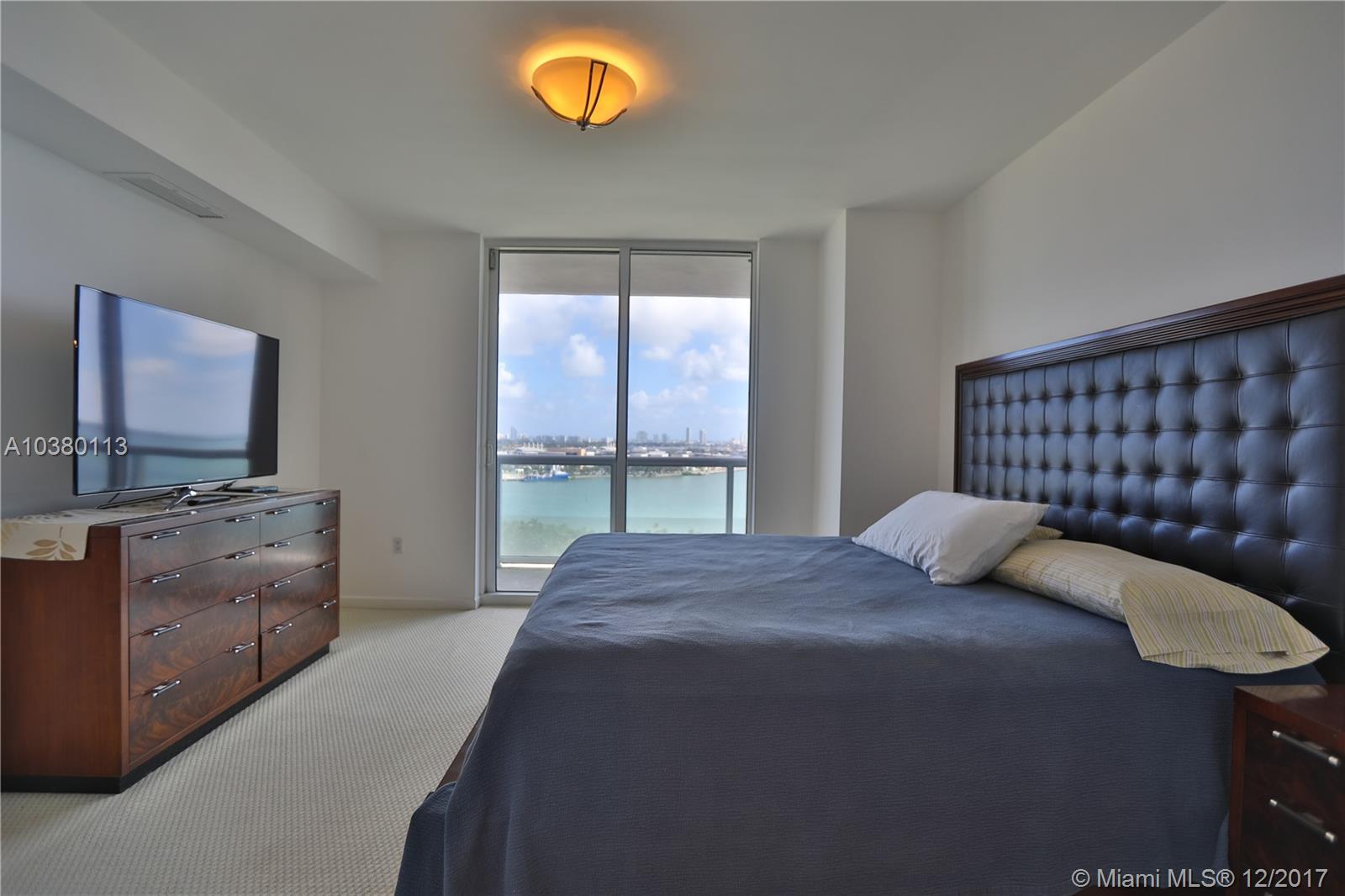 50 Biscayne Blvd # 1702, Miami , FL 33132