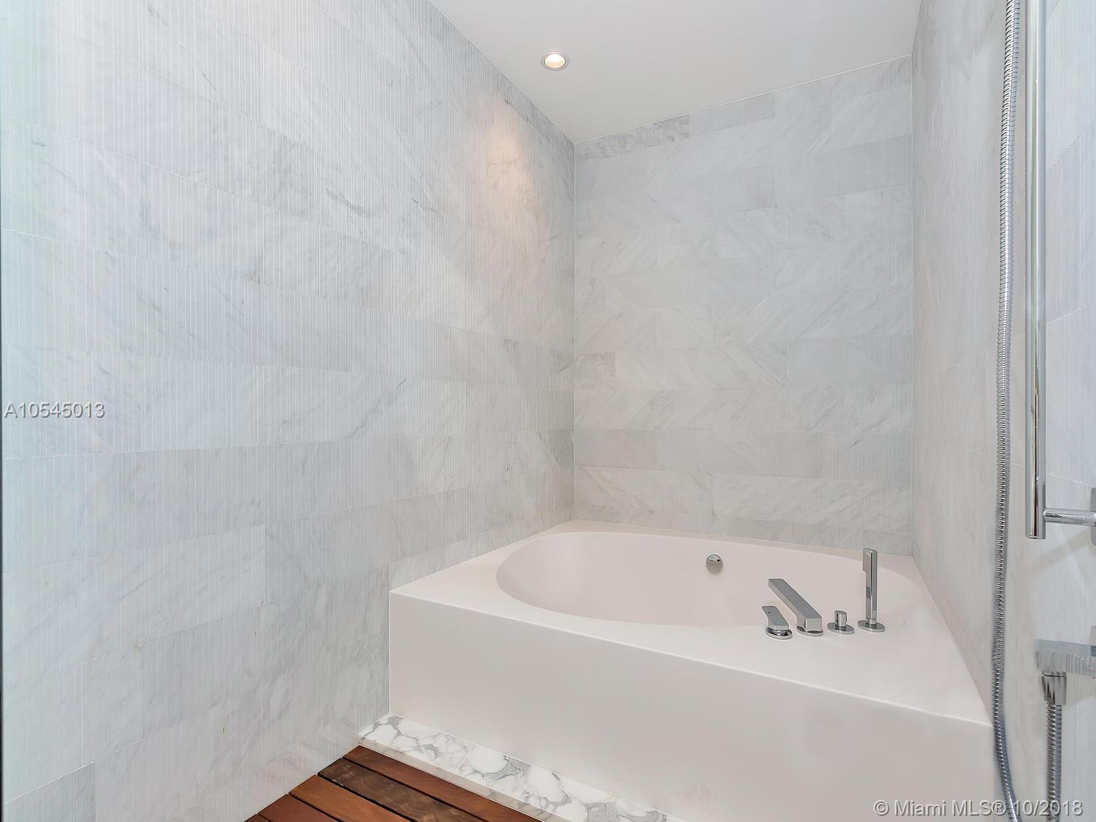 10201 Collins ave-1507 bal-harbour-fl-33154-a10545013-Pic23
