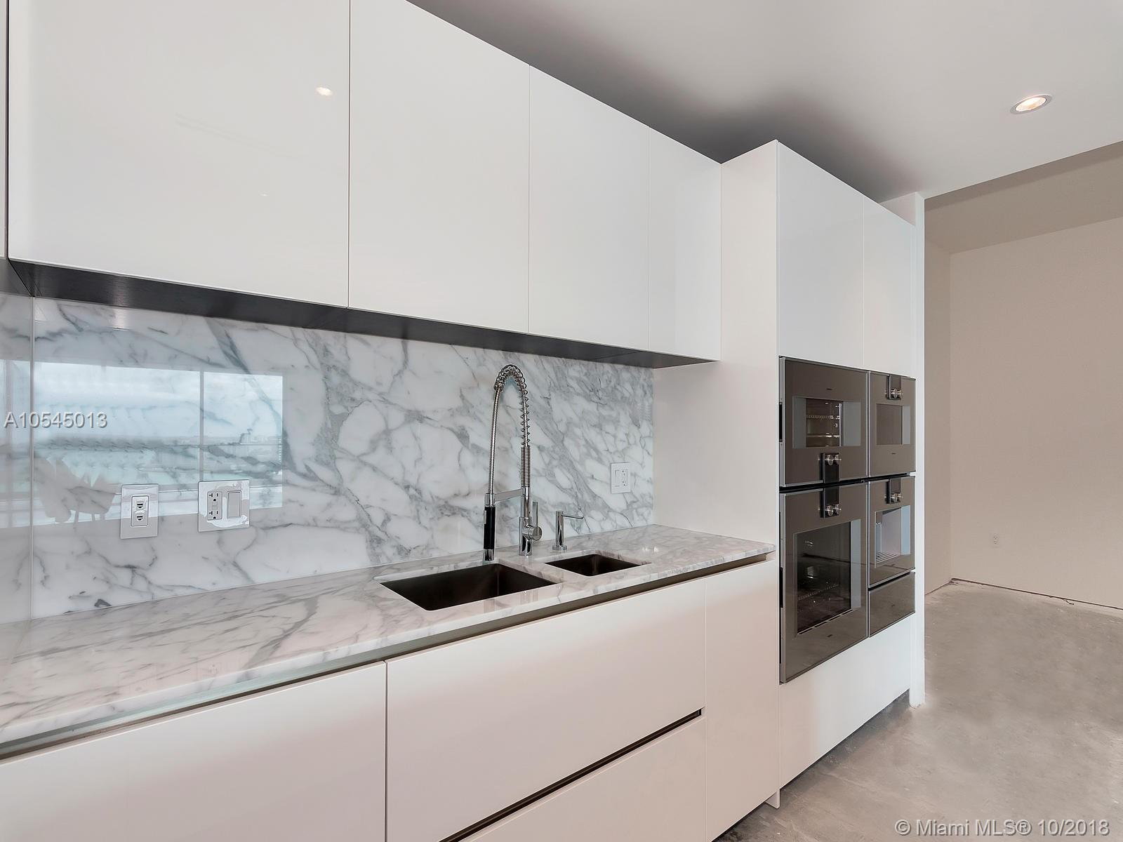 10201 Collins ave-1507 bal-harbour-fl-33154-a10545013-Pic09
