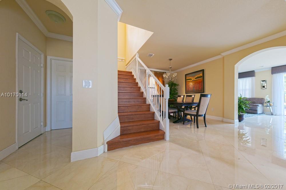 9979 Nw 89th Terrace, Doral FL, 33178