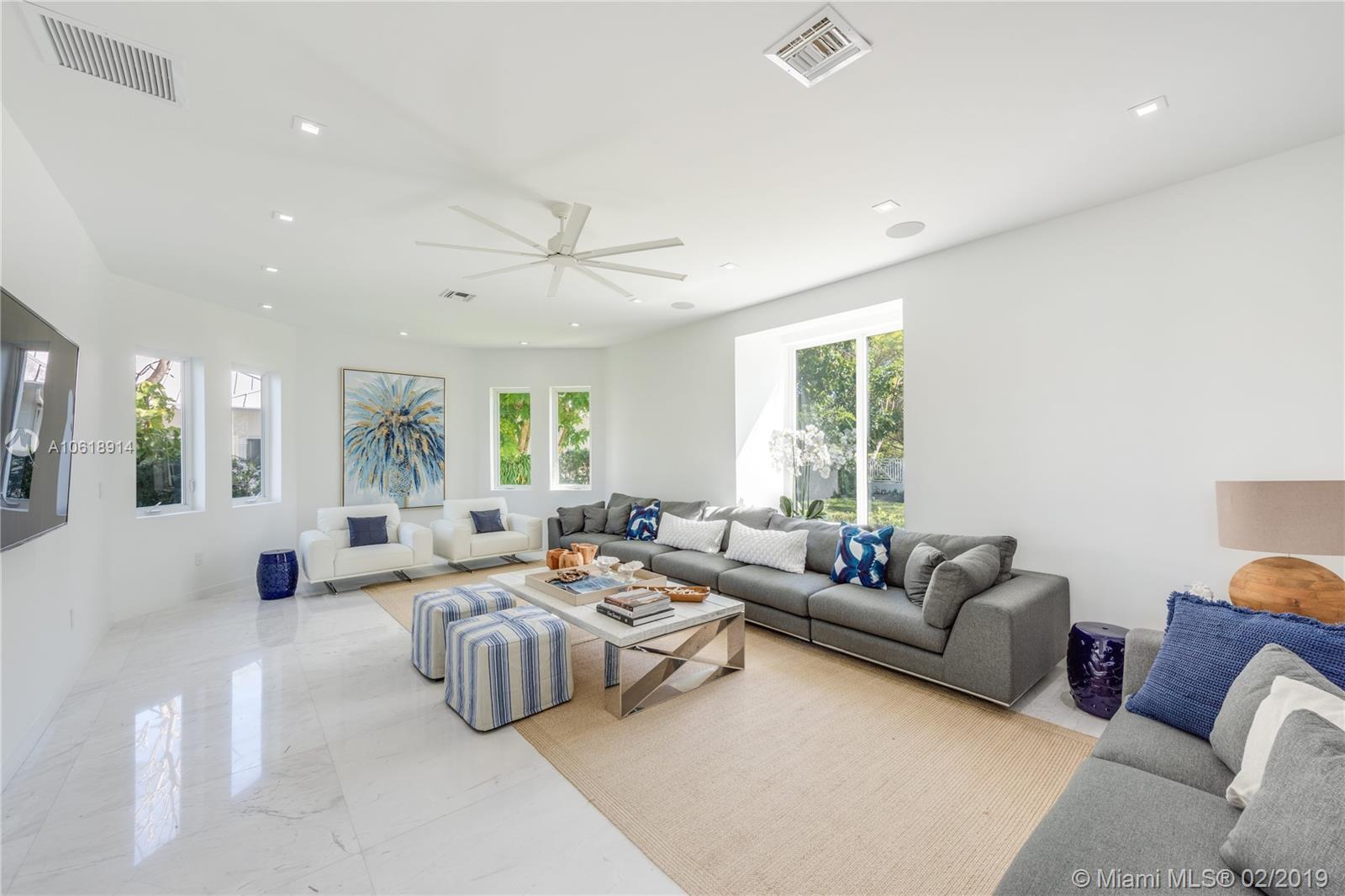 741 Buttonwood Ln, Miami, FL 33137