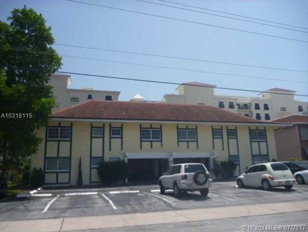 2404 NE 33rd Ave # 8, Fort Lauderdale, FL 33305