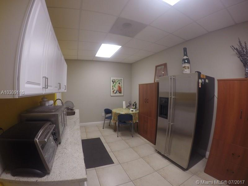 8101 NW 33rd St # 8101, Doral , FL 33122
