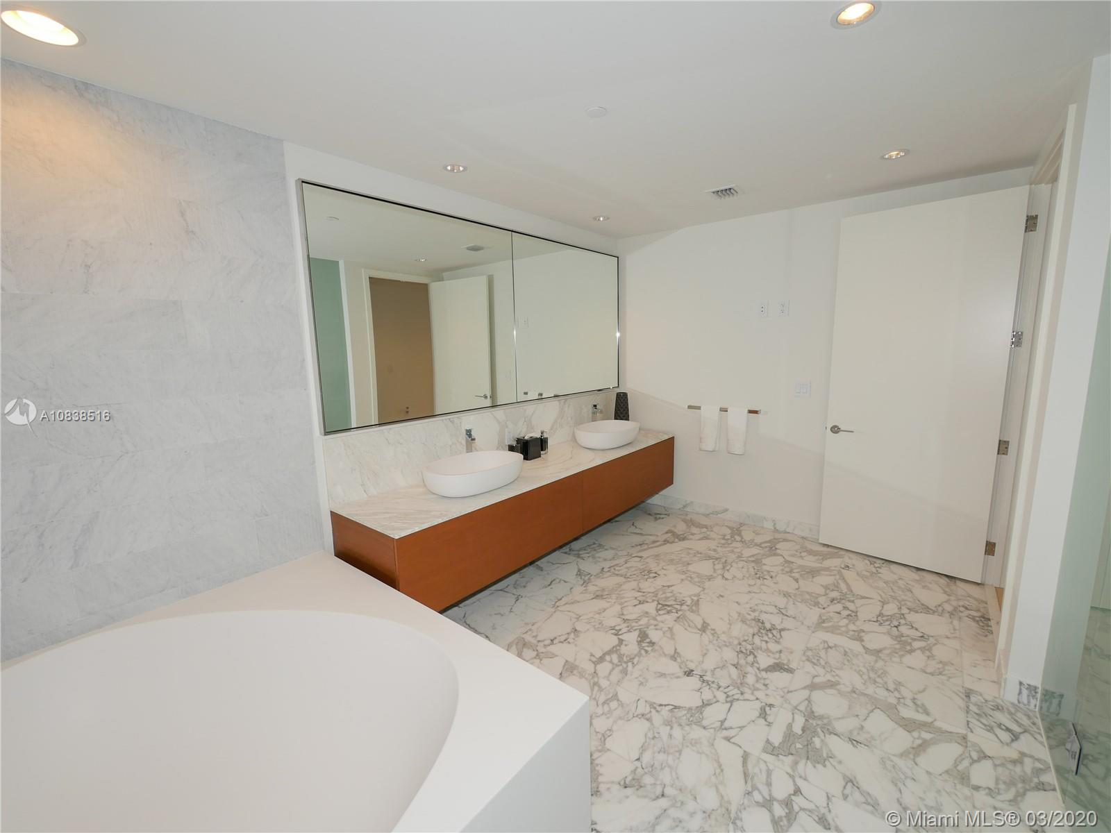 10201 Collins ave-2006 bal-harbour-fl-33154-a10838516-Pic39