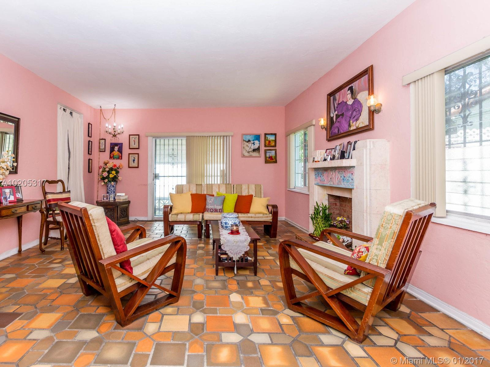 843 Espanola Way, Miami Beach , FL 33139