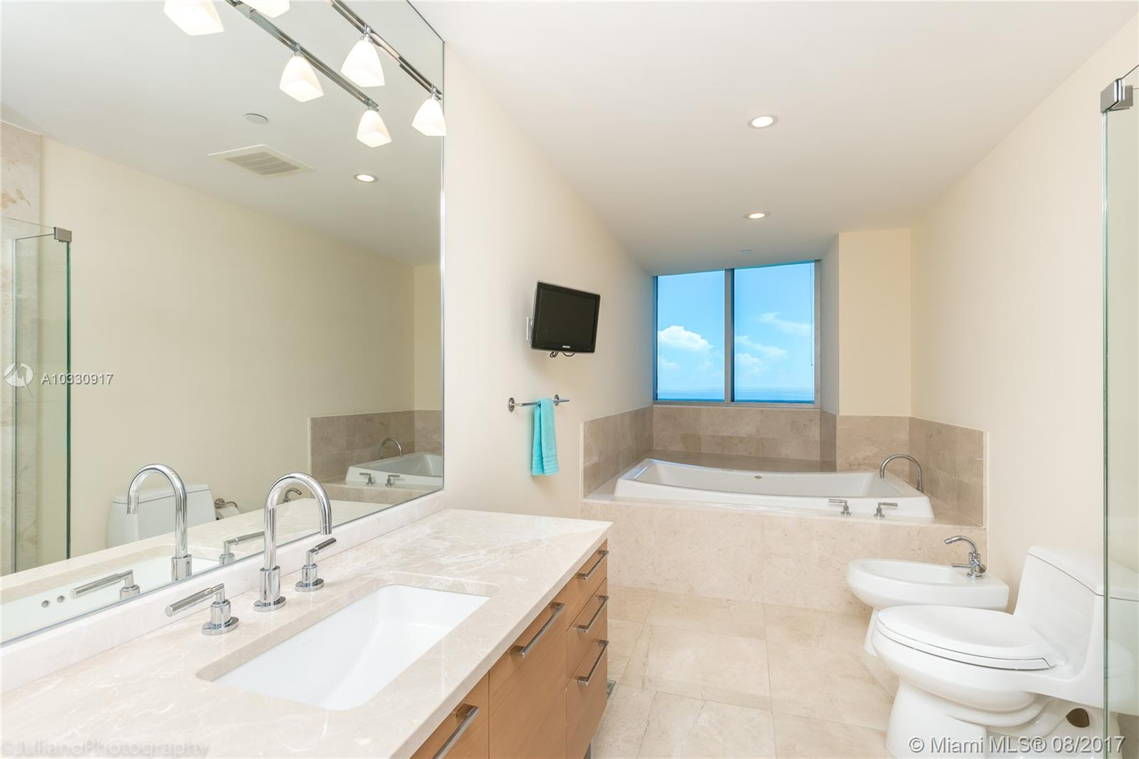17001 Collins ave-4608 sunny-isles-beach-fl-33160-a10330917-Pic11