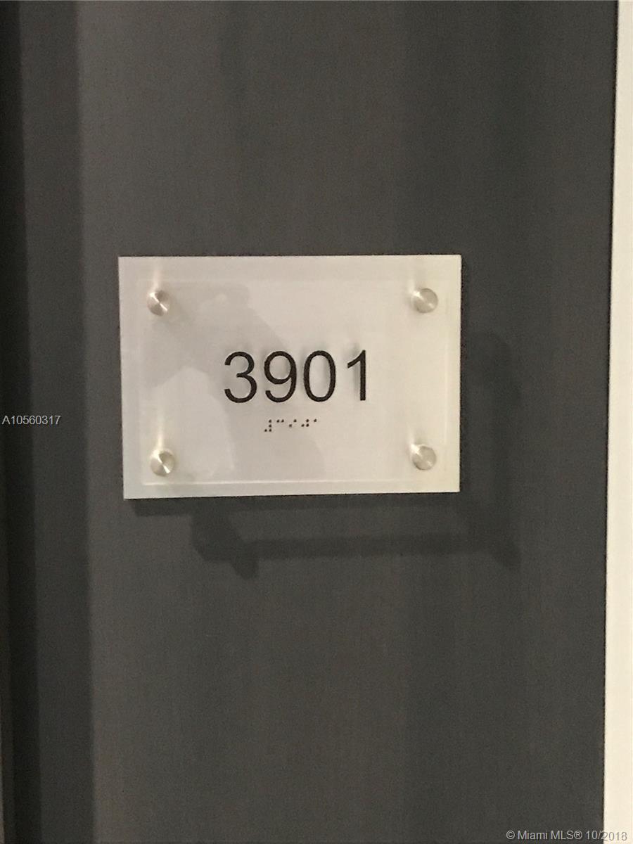 A10560317