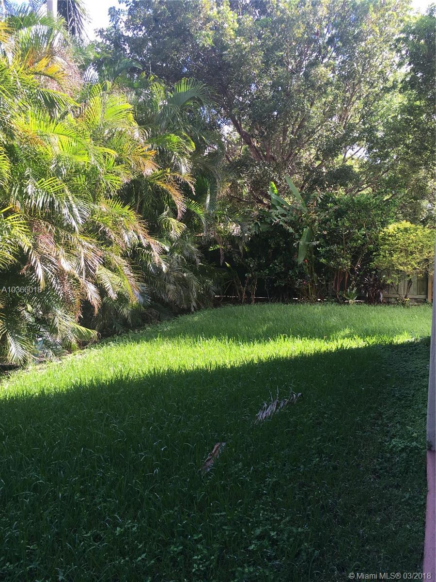 9025 Nw 180th Ter, Hialeah FL, 33018