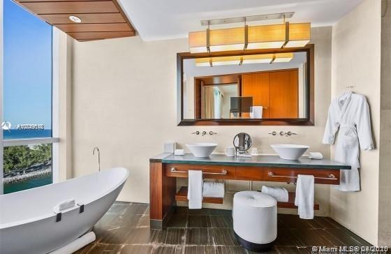 10295 Collins ave-416 bal-harbour-fl-33154-a10849518-Pic03