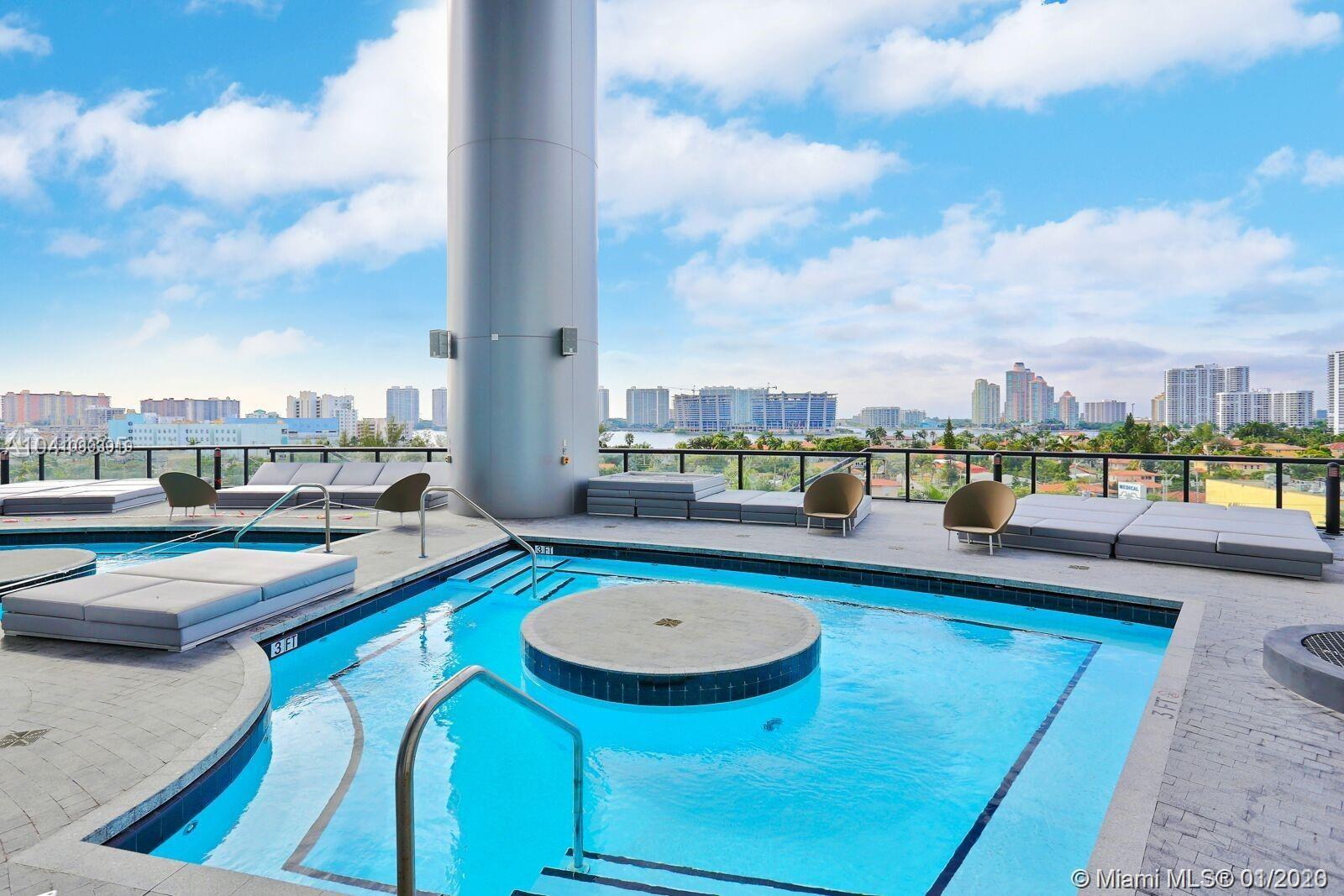 18555 Collins ave-4804 sunny-isles-beach-fl-33160-a10803919-Pic05
