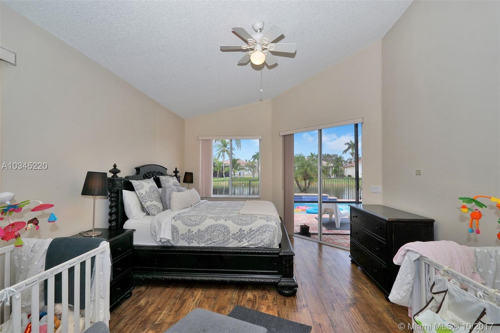 2773 Oakbrook Dr, Weston, FL 33332