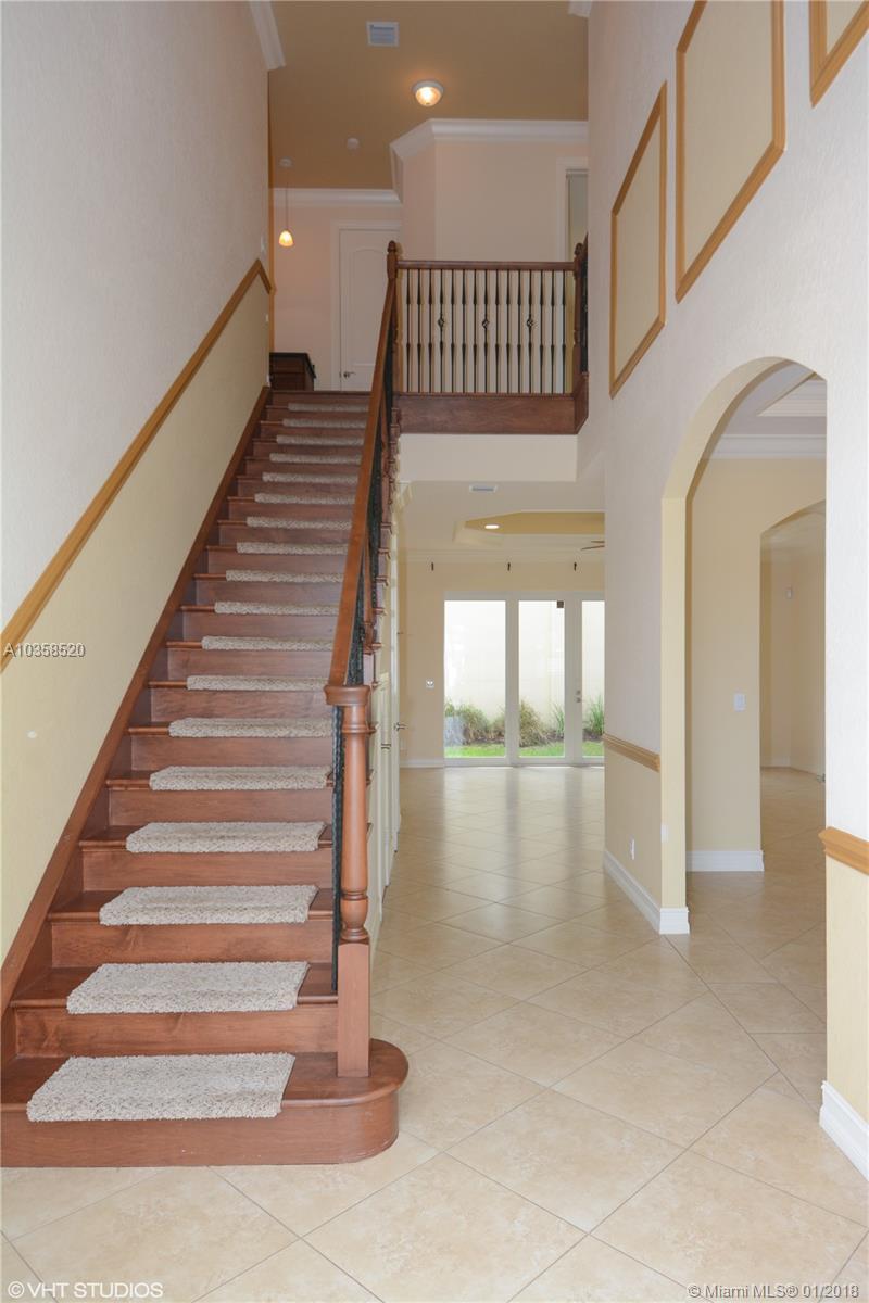 1960 Ne 33rd St, Lighthouse Point FL, 33064