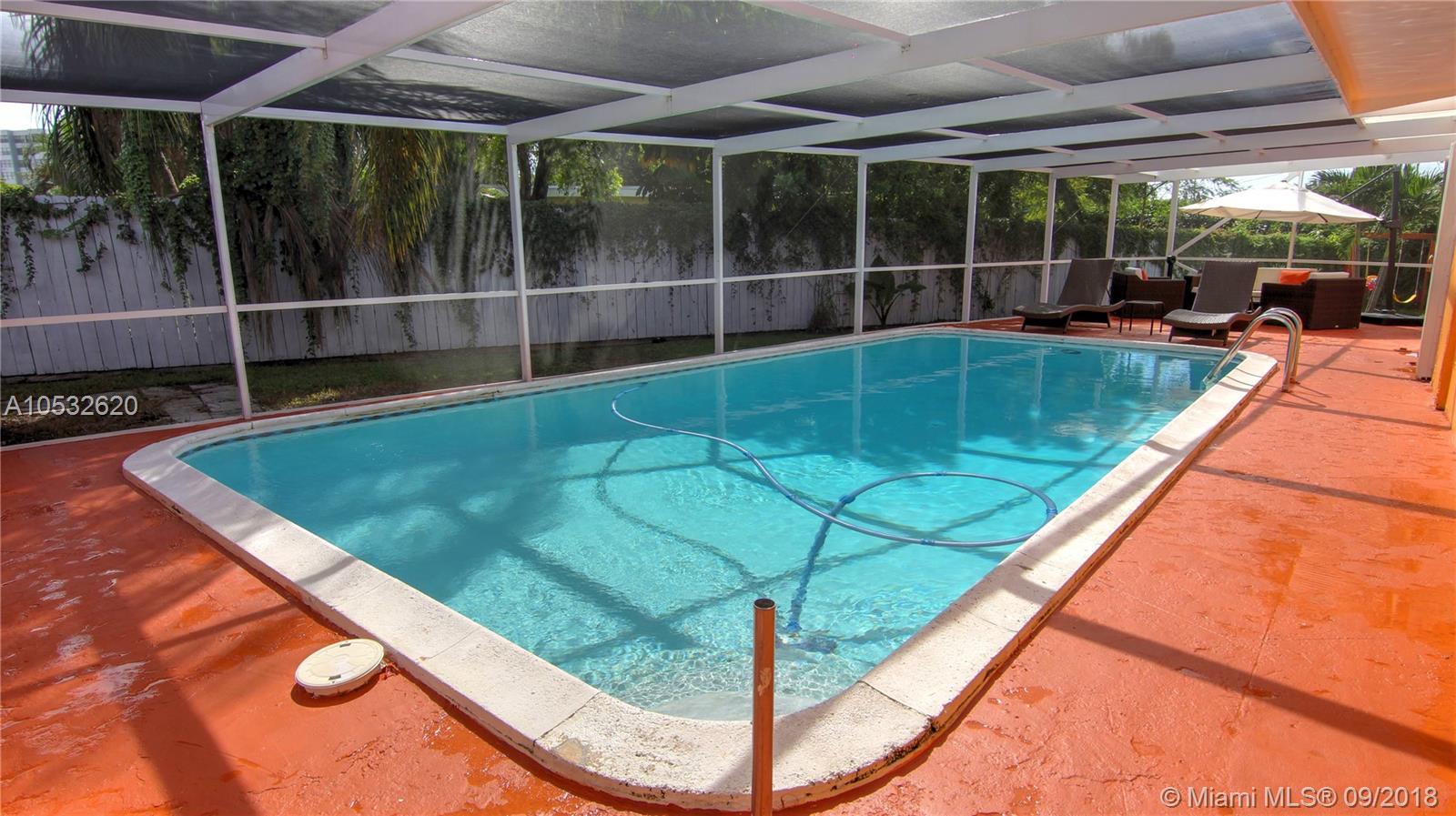 1100 Ne 184th St, Miami FL, 33179