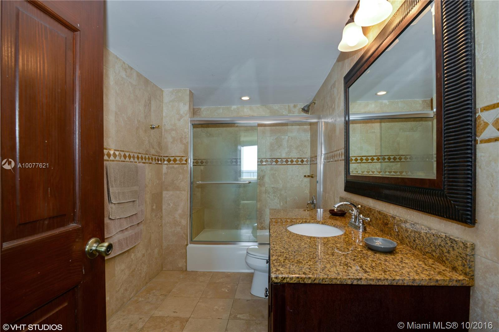 5555 Collins ave-9J miami-beach--fl-33140-a10077621-Pic07