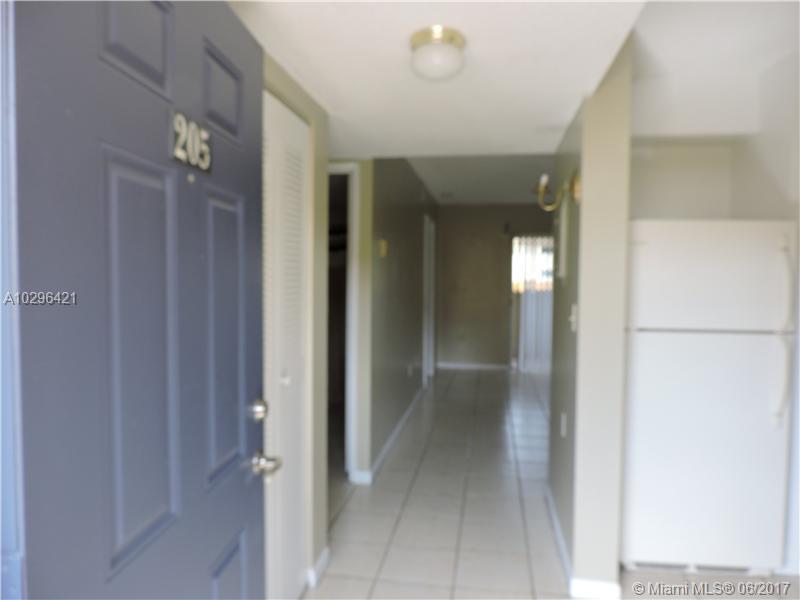 14951 SW 82 LN # 17-205, Miami, FL 33193