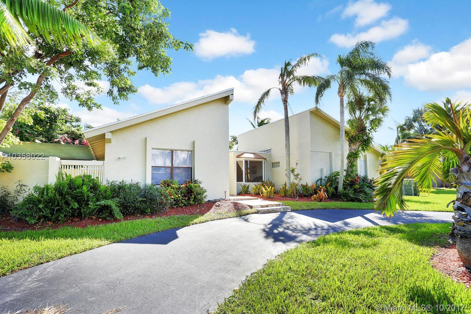 8304 SW 168th Ter, Palmetto Bay , FL 33157