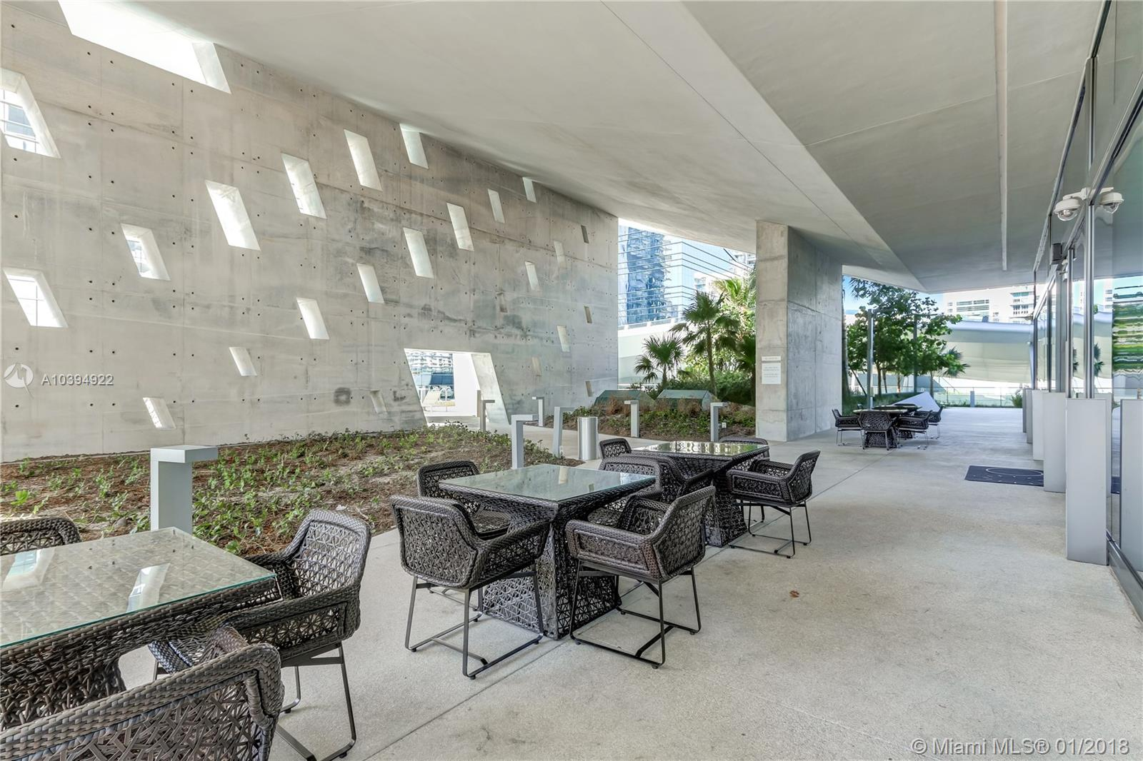 68 SE 6th St # 2205, Miami , FL 33131