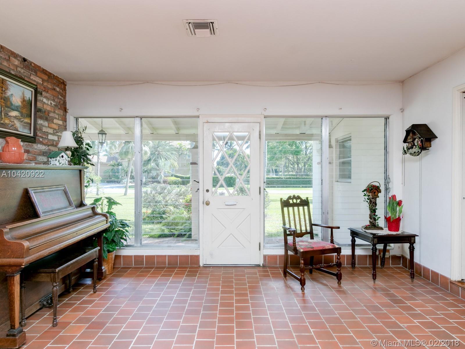 441 Holly Lane, Plantation , FL 33317