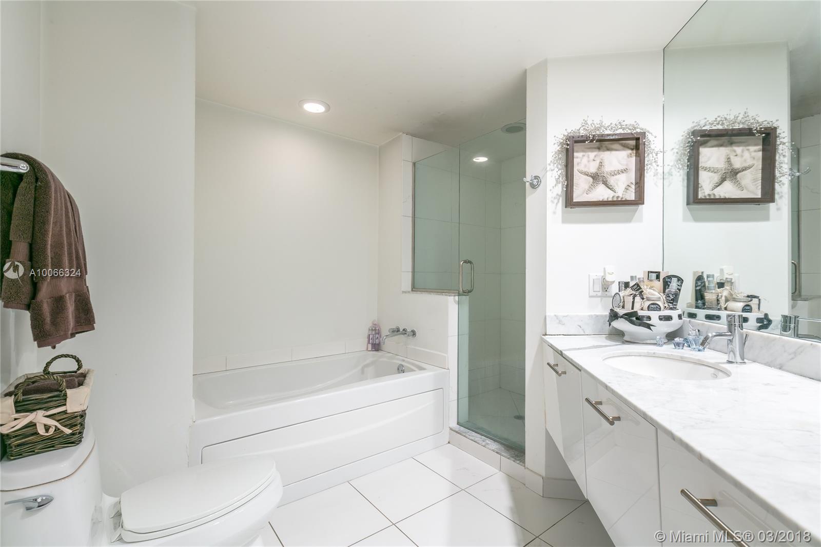 500 Brickell Ave #3301, Miami FL, 33131
