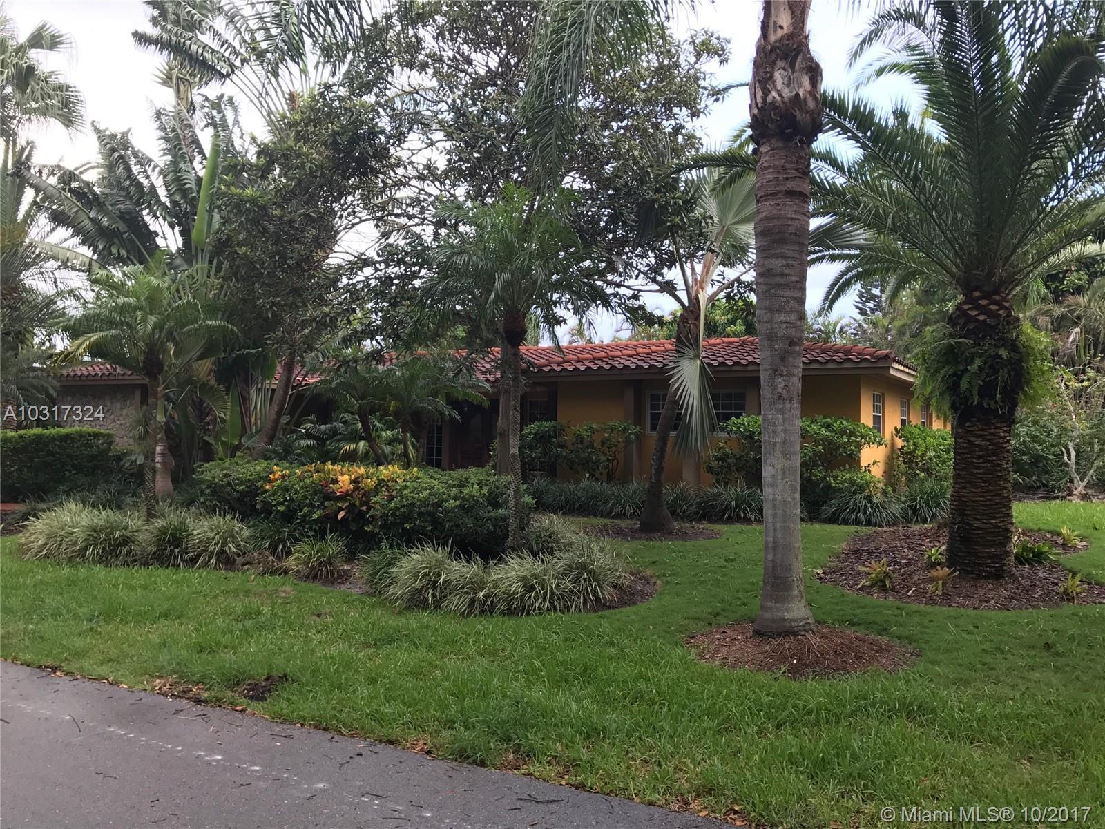 9365 SW 92nd St, Miami , FL 33176