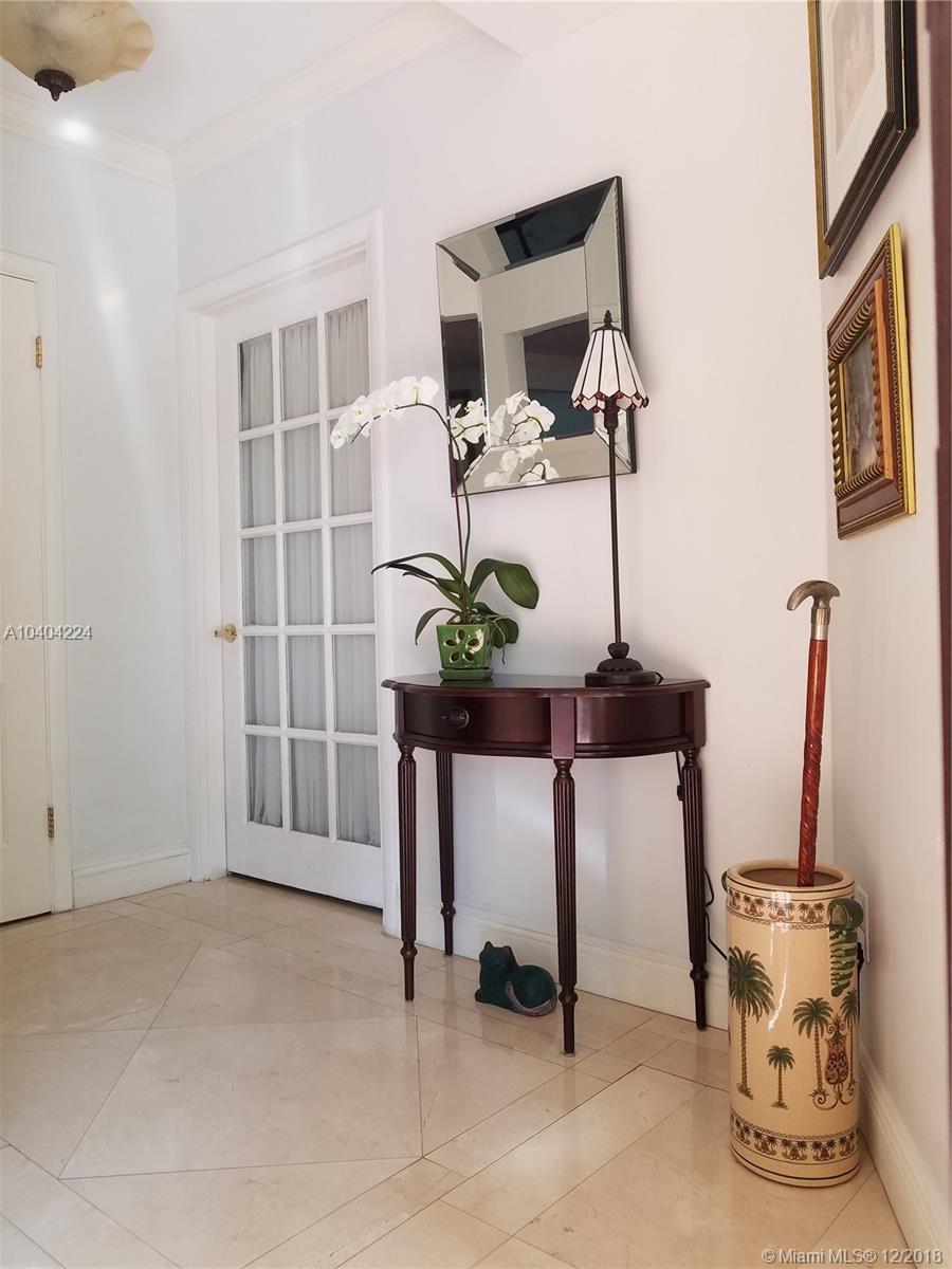 1025 Bayamo Ave, Coral Gables FL, 33146