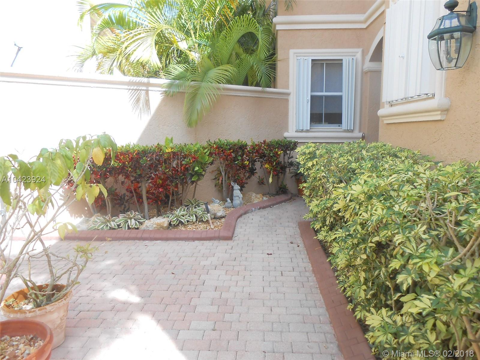 1435 Breakwater Ter, Hollywood FL, 33019