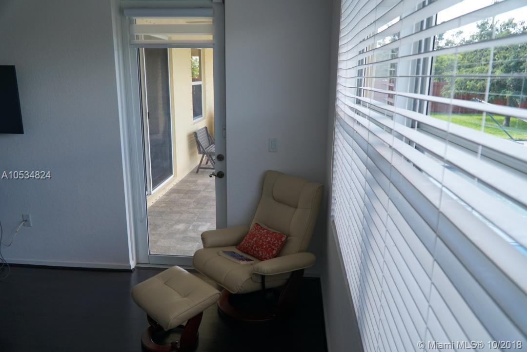 21042 Sw 132 Ct, Miami FL, 33177