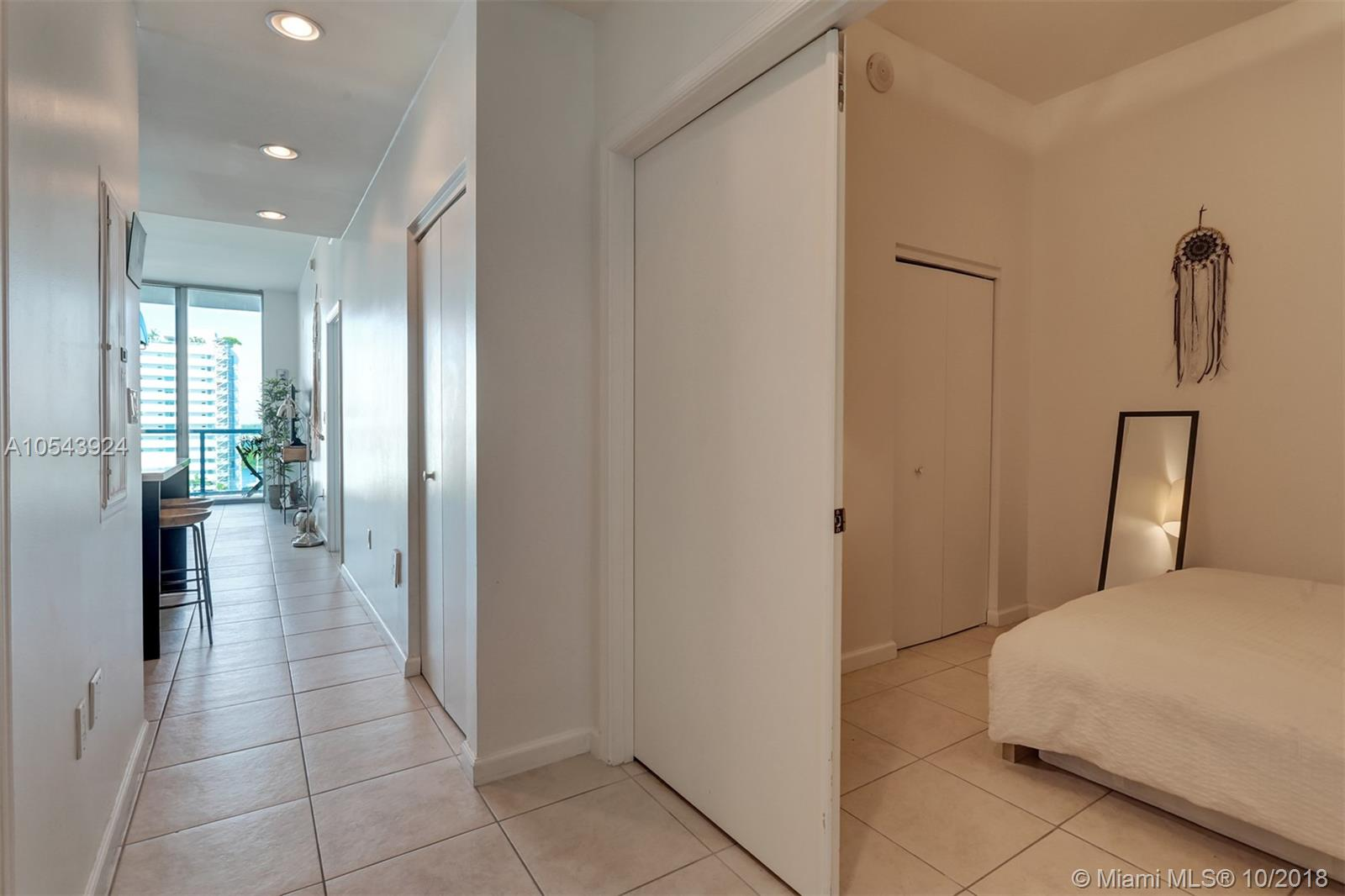 7928 East dr-1003 north-bay-village-fl-33141-a10543924-Pic08