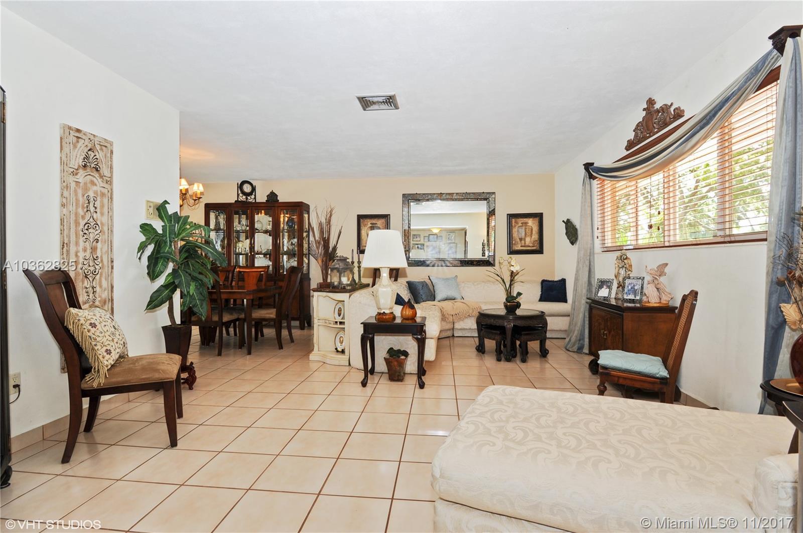 6985 Maple Ter, Miami Lakes , FL 33014