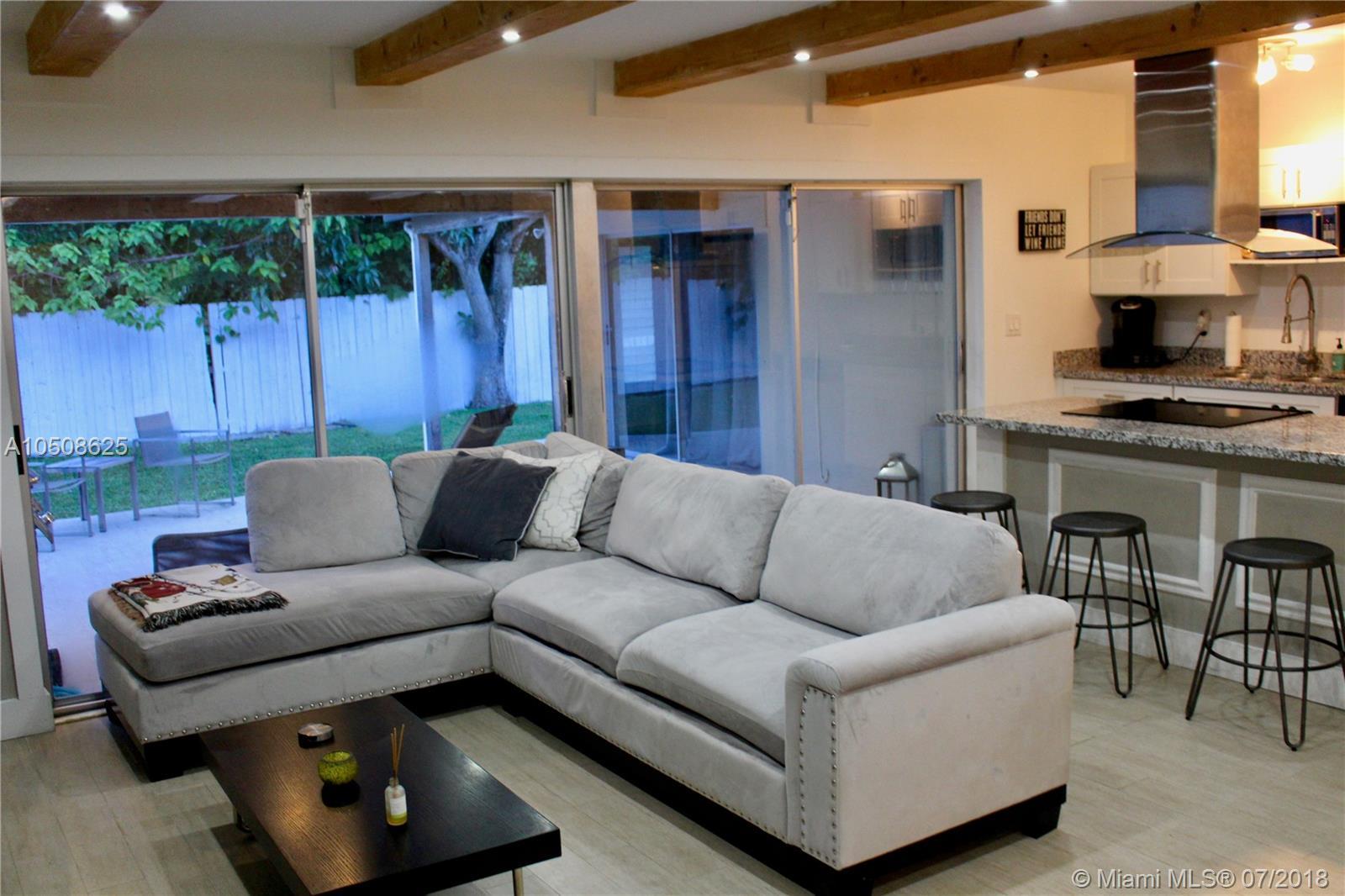 5020 Sw 69th Ave, Miami FL, 33155