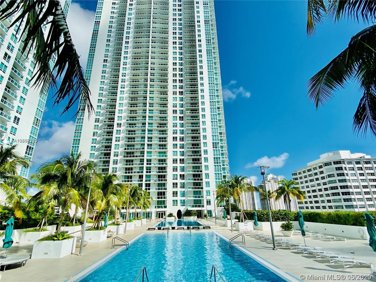 951 Brickell Ave #3409