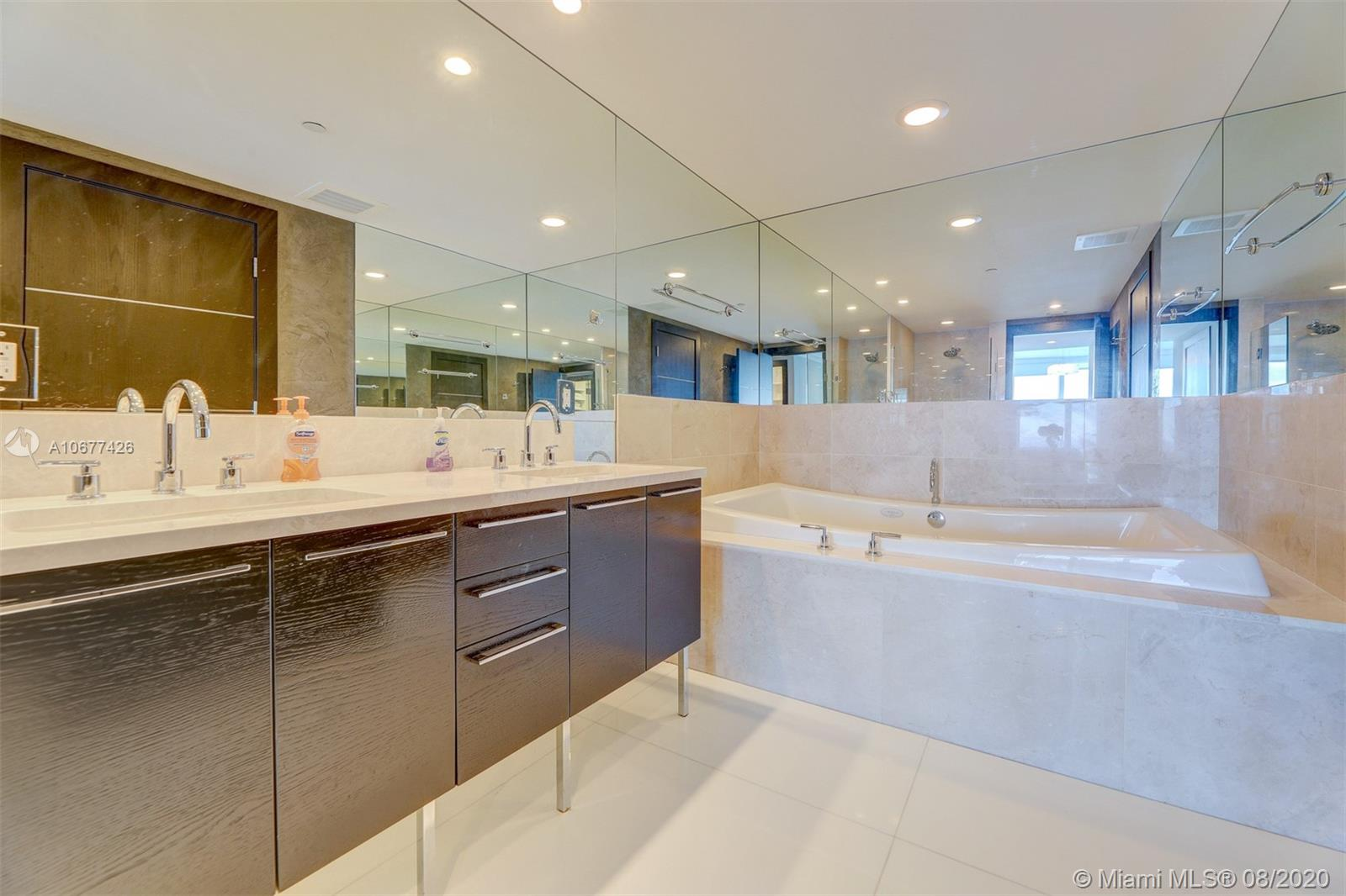 17001 Collins ave-4008 sunny-isles-beach-fl-33160-a10677426-Pic18