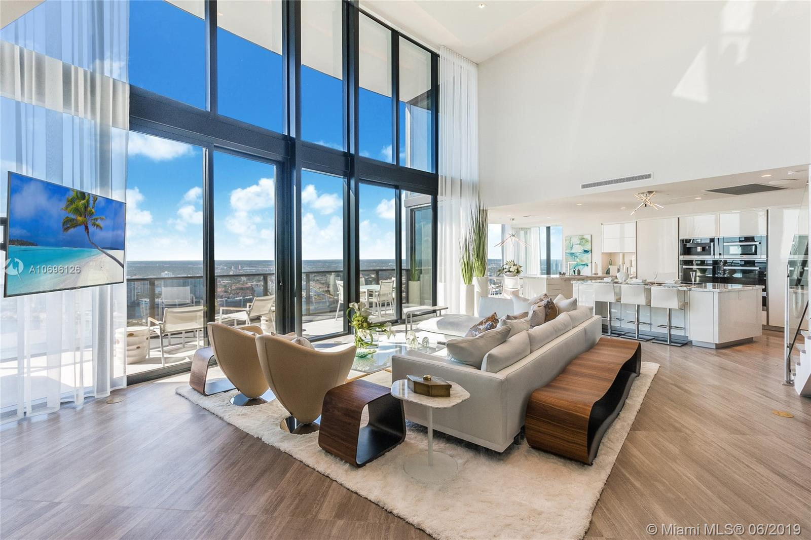 18555 Collins ave-5003 sunny-isles-beach-fl-33160-a10696126-Pic01