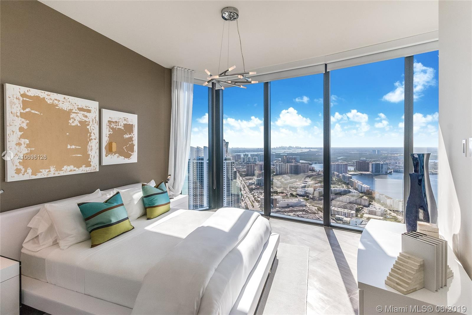 18555 Collins ave-5003 sunny-isles-beach-fl-33160-a10696126-Pic16