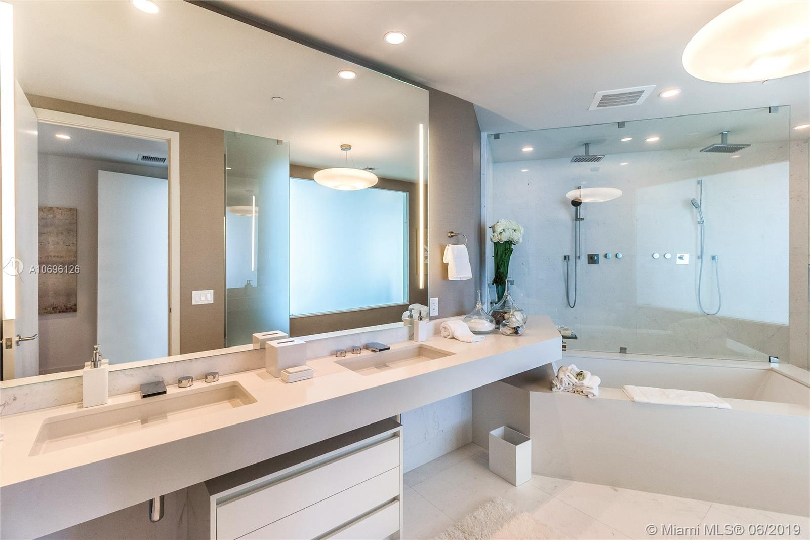 18555 Collins ave-5003 sunny-isles-beach-fl-33160-a10696126-Pic17