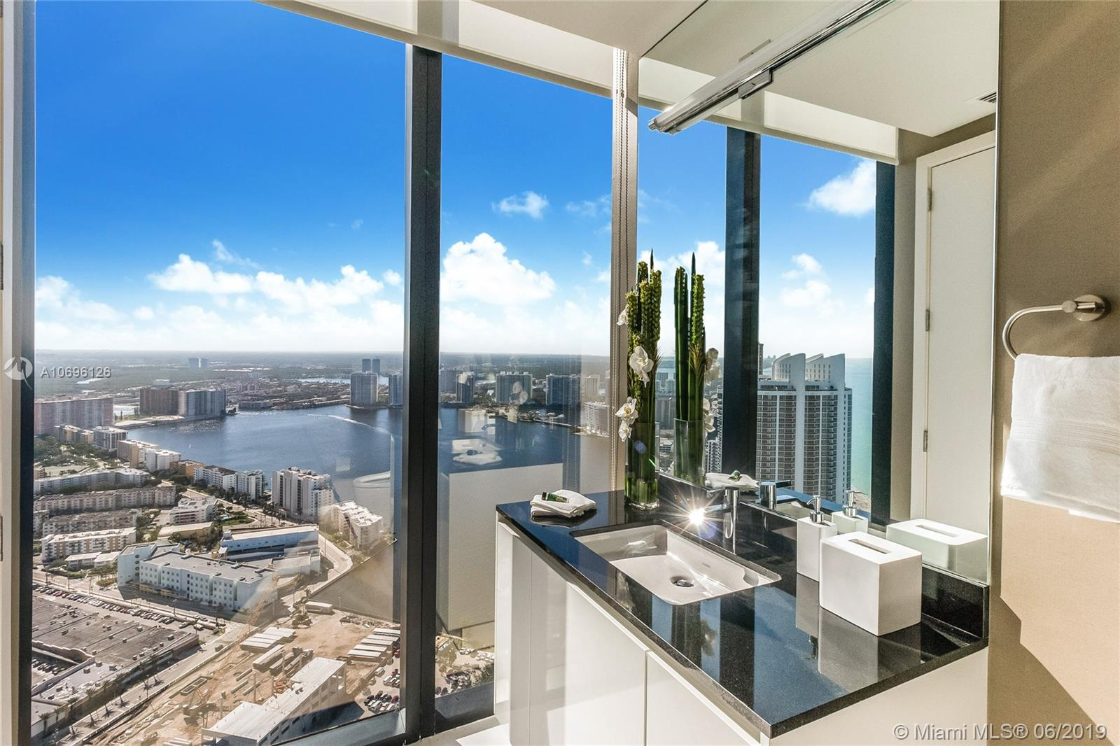 18555 Collins ave-5003 sunny-isles-beach-fl-33160-a10696126-Pic22