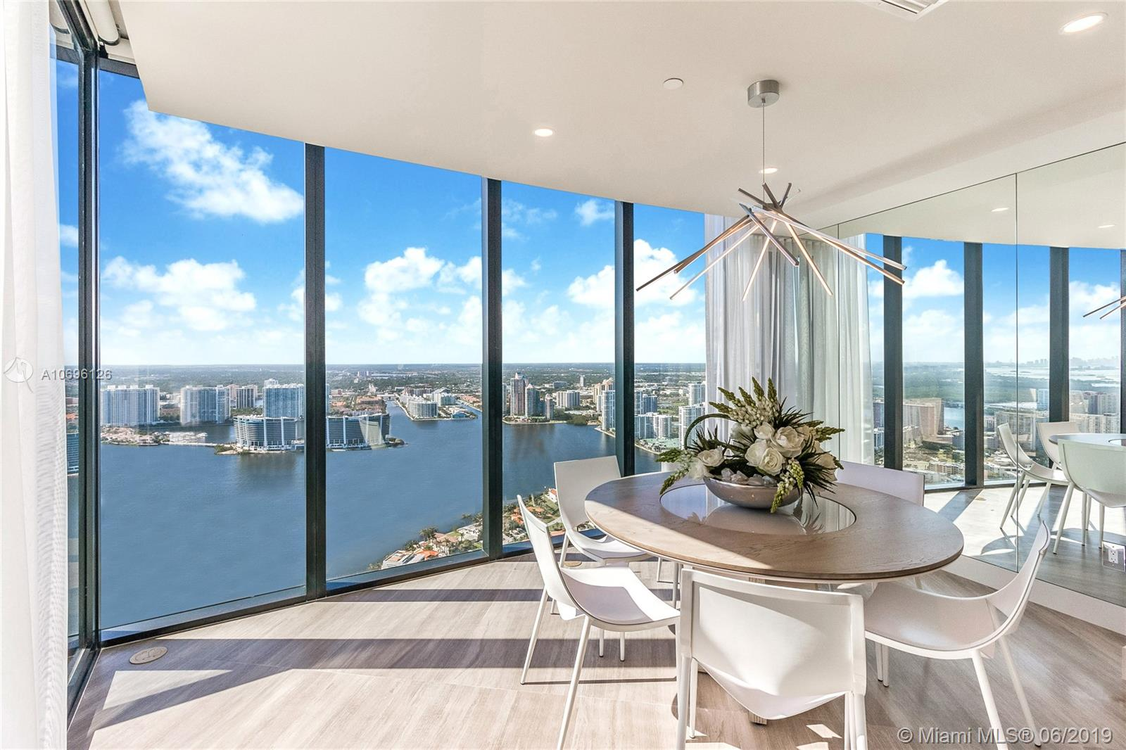 18555 Collins ave-5003 sunny-isles-beach-fl-33160-a10696126-Pic04