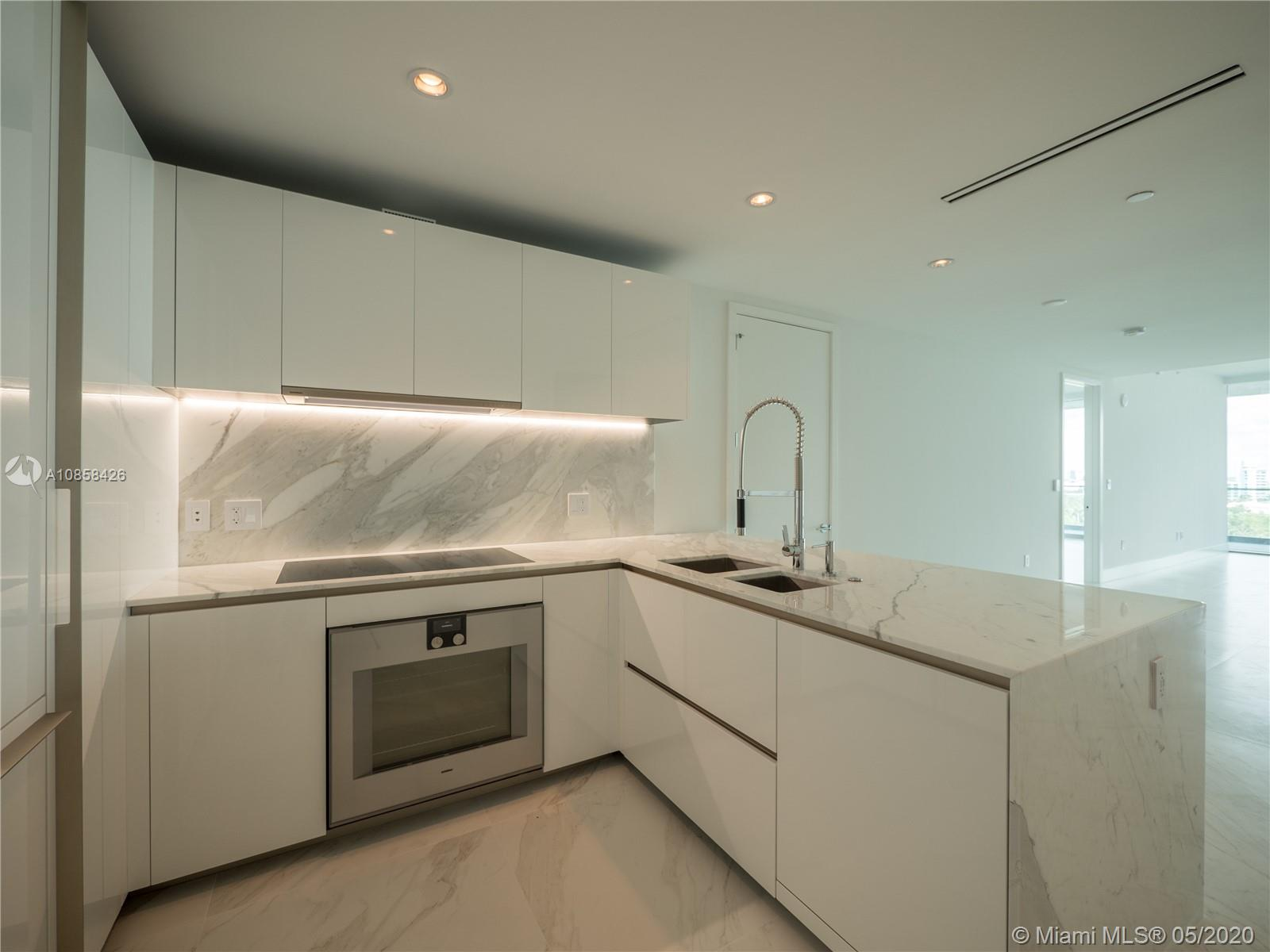 10201 Collins ave-1005 bal-harbour-fl-33154-a10858426-Pic04
