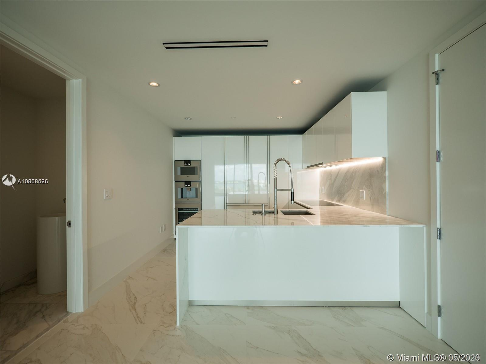 10201 Collins ave-1005 bal-harbour-fl-33154-a10858426-Pic05