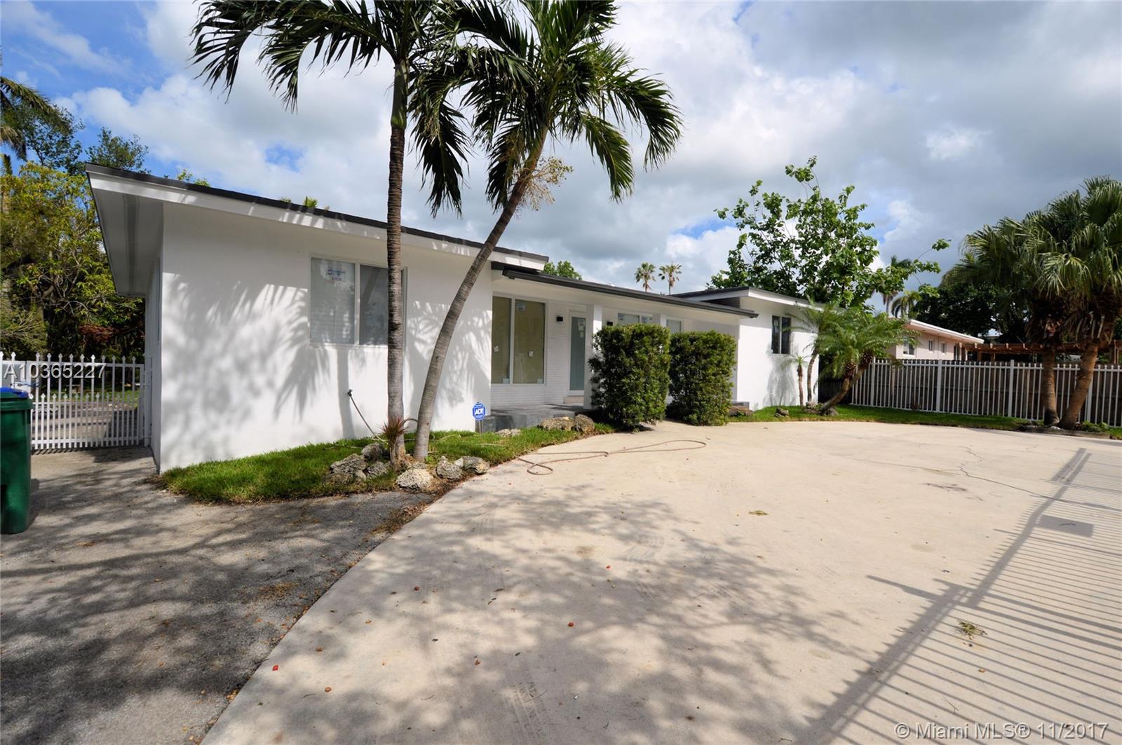 1063 NE 82nd St, Miami , FL 33138
