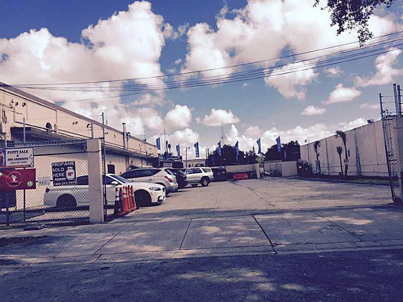 2905 NW 27 AV, Miami, FL 33142