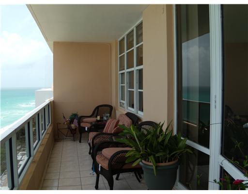 5601 Collins Av #PH-4, Miami Beach FL, 33140