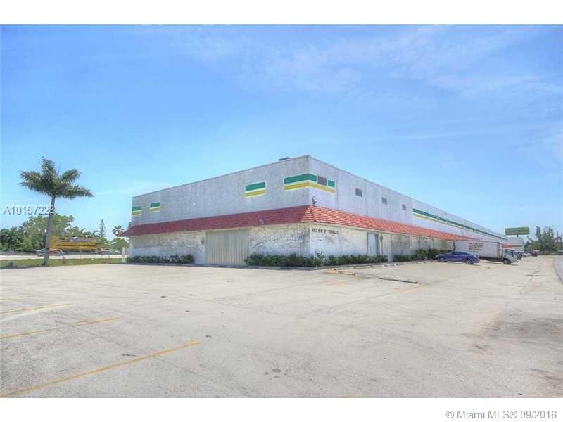 650 SW 9th Ter, Pompano Beach, FL 33069
