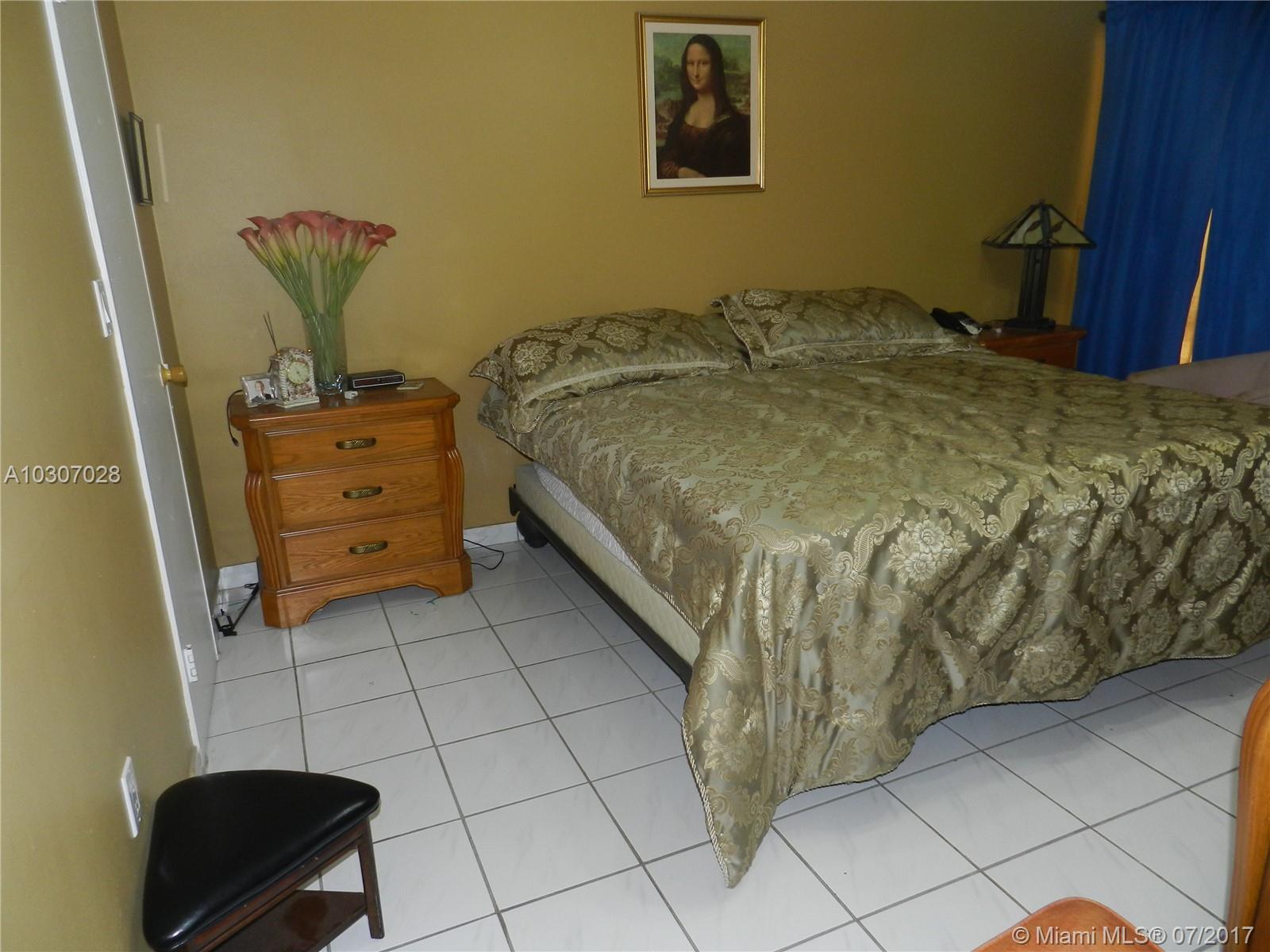 17620 ATLANTIC BLVD # 115, Sunny Isles Beach, FL 33160
