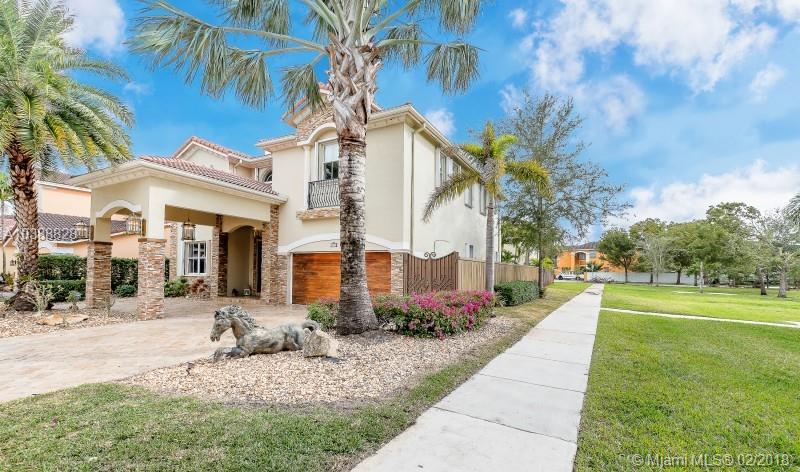 18079 NW 90th Ave, Miami Lakes , FL 33018