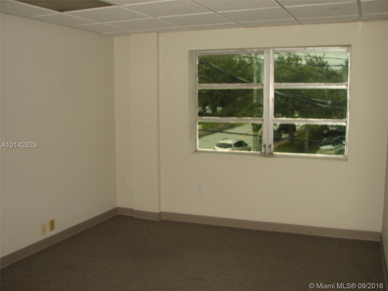 475 Biltmore Way # 202, Coral Gables, FL 33134