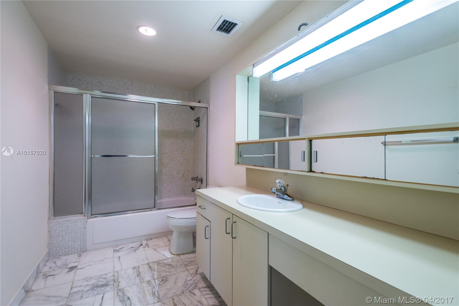 5825 Collins ave-9A miami-beach--fl-33140-a10157030-Pic17
